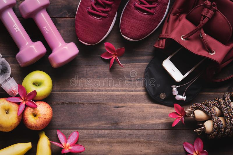 Conceito saudável ativo do estilo de vida da mulher Peso e dieta concentrados fotos de stock