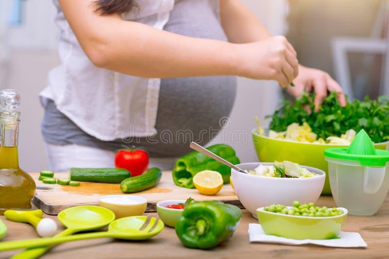 Conceito saudável da gravidez fotografia de stock