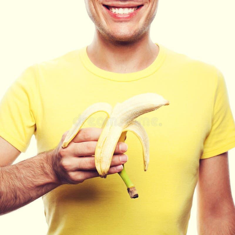 Conceito saudável do alimento Retrato de um jovem considerável feliz de sorriso imagem de stock royalty free