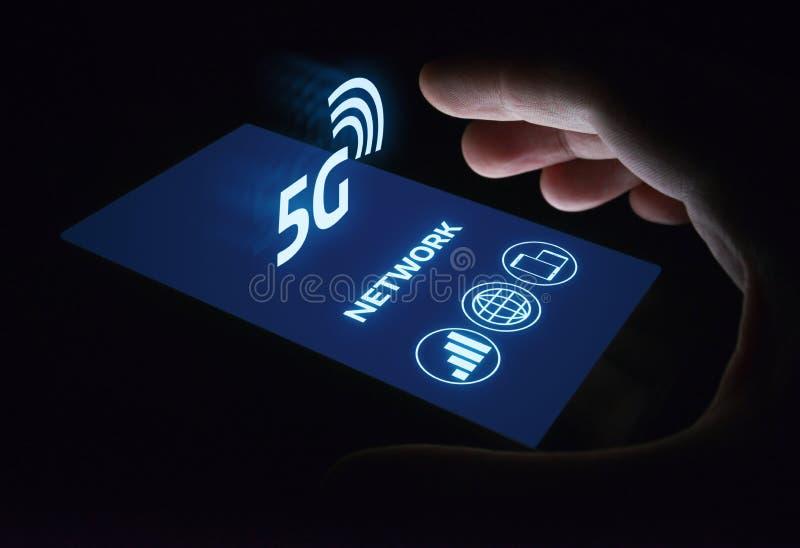 conceito sem fio móvel do negócio do Internet da rede 5G imagem de stock