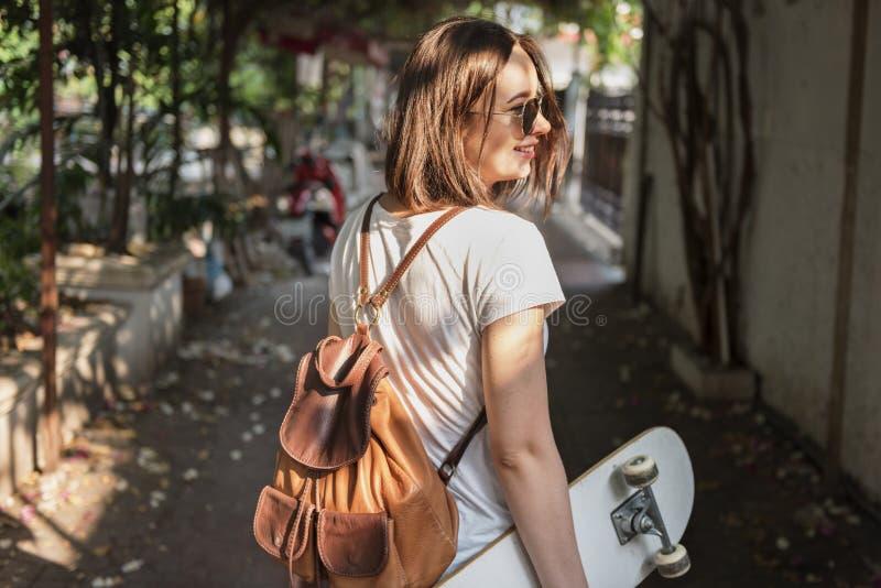 Conceito Skateboarding da apreciação fresca funky do moderno fotografia de stock