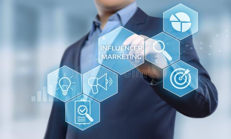 Conceito social da estratégia dos meios da rede do negócio do plano de marketing de Influencer foto de stock