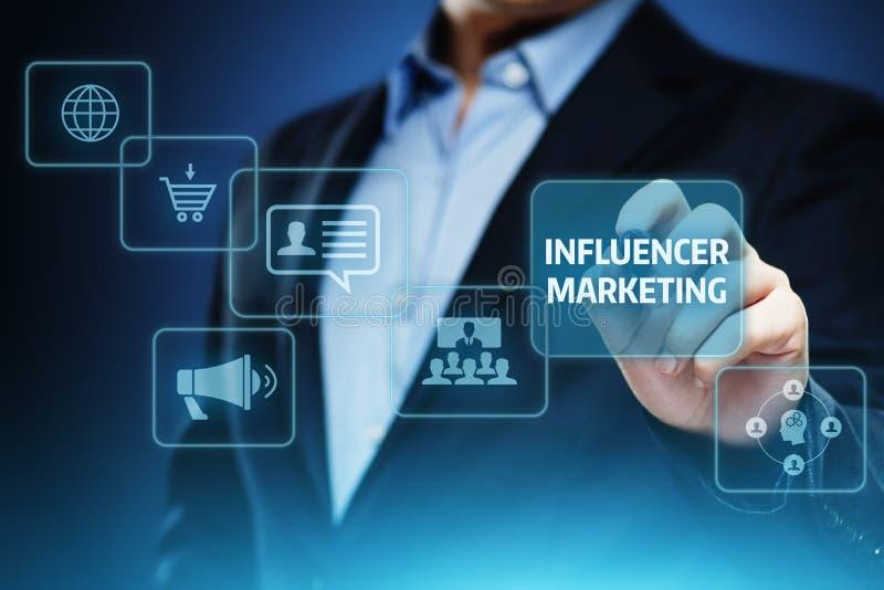 Conceito social da estratégia dos meios da rede do negócio do plano de marketing de Influencer imagem de stock