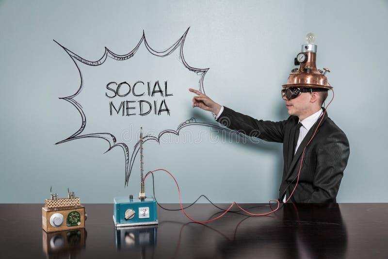 Conceito social dos meios com homem de negócios do vintage fotos de stock royalty free
