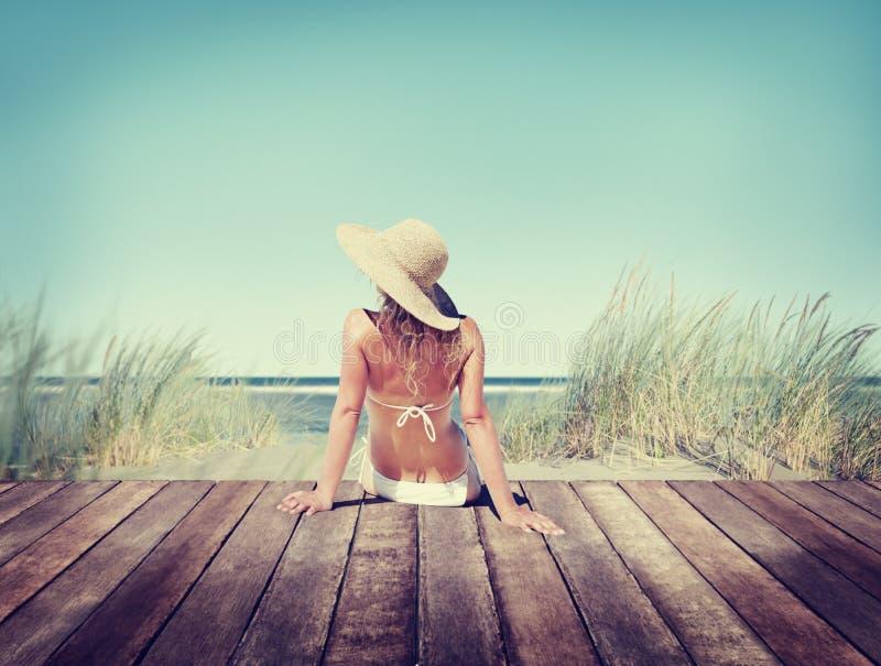Conceito vestindo das férias de verão do biquini da mulher imagens de stock royalty free