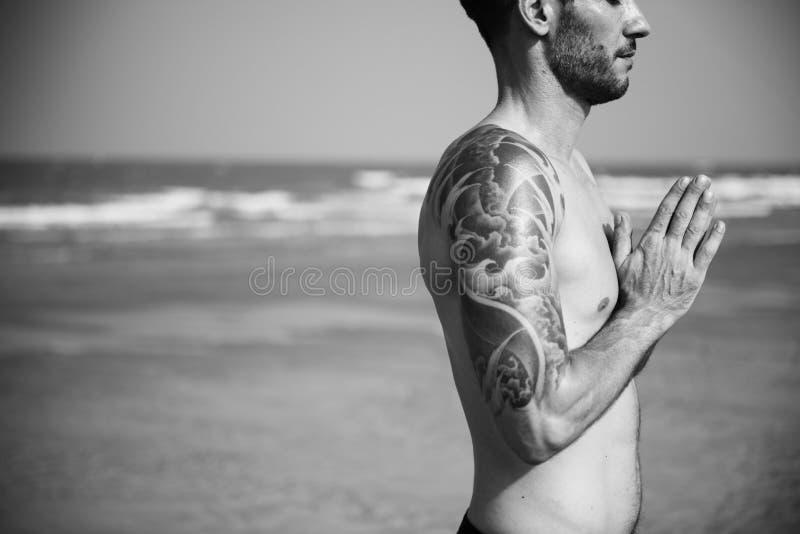 Concentración Serene Relaxation Concept pacífico de la meditación de la yoga imagen de archivo libre de regalías