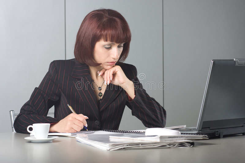 Download The Concentrated Beautiful Business Woman Stock Image - Image: 7306751