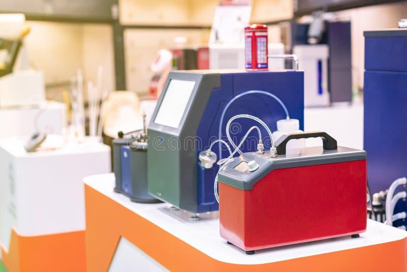 Concentrazione rapida a alta tecnologia ed automatica nel ro di conteggio di particella del liquido dei lubrificanti dei combusti fotografia stock libera da diritti