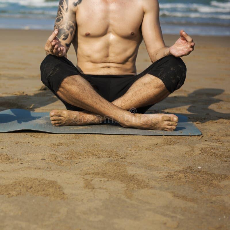 Concentrazione Serene Relaxation pacifico di meditazione di yoga fotografia stock libera da diritti