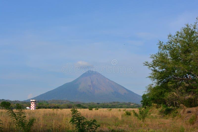 Concepció n vulkaan bij het Ometepe-eiland, Nicaragua stock afbeeldingen