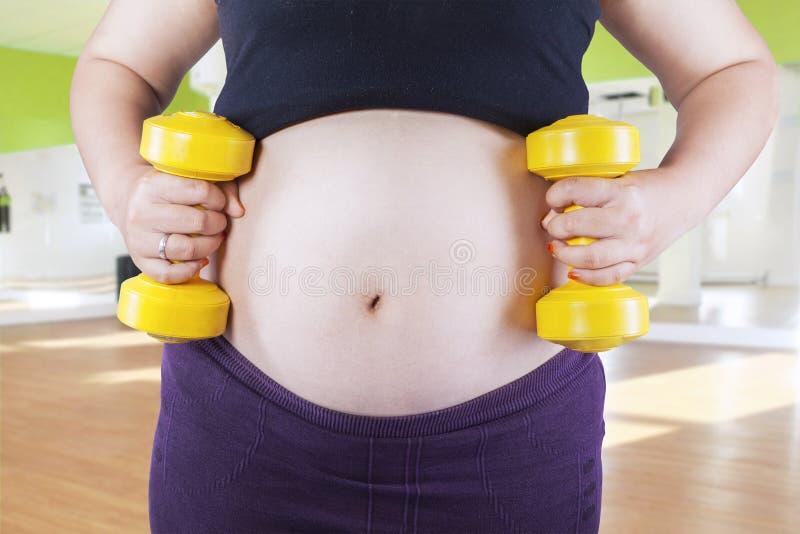 Concept actif et folâtre de grossesse photo libre de droits