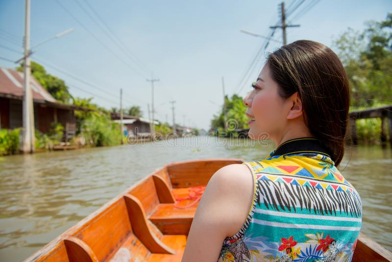Concept au sujet de bateau et de visite guidée photographie stock