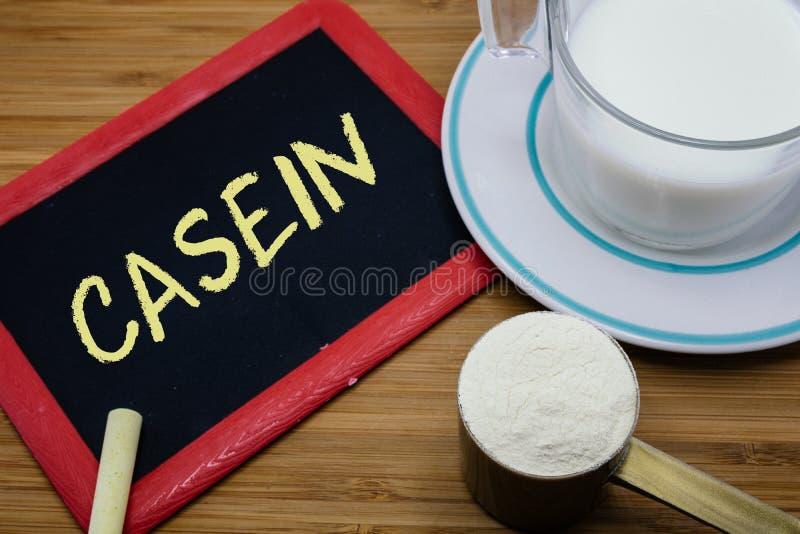 Concept Caseïne in melk stock afbeeldingen