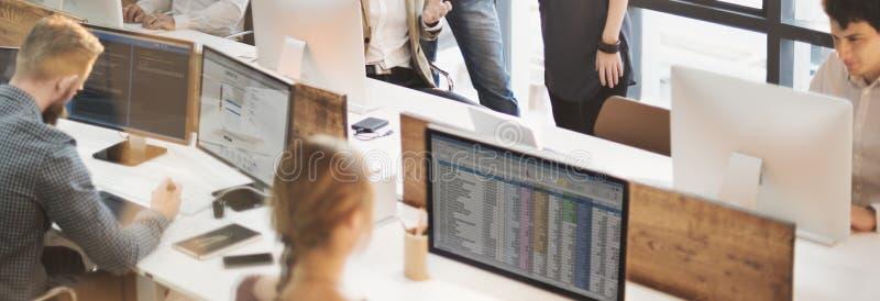 Concept créatif de bureau de stratégie de planification de conception de collègues photos stock