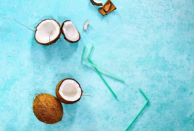 Concept d'été de boissons de noix de coco, de vue ci-dessus, l'espace pour un texte photo libre de droits