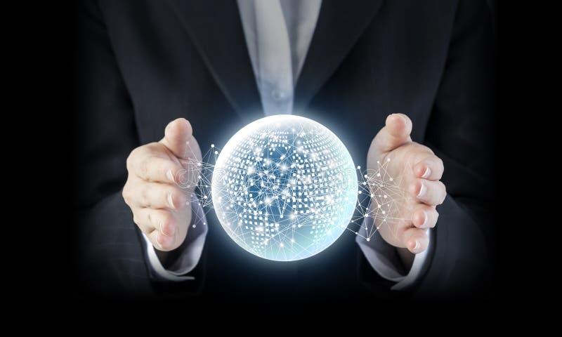 Concept d'affaires de main de femme d'affaires avec le netw global numérique photographie stock