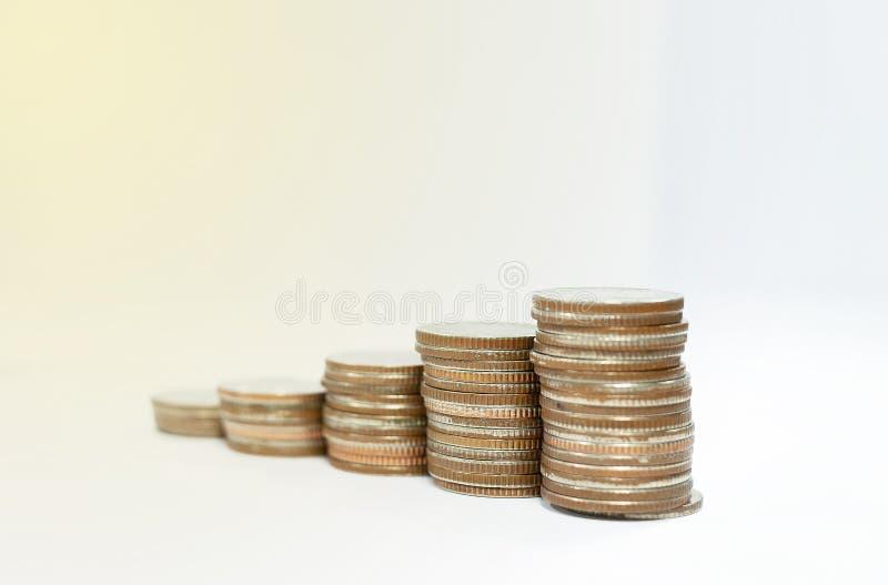 Concept d'affaires des piles de pi?ces de monnaie photographie stock