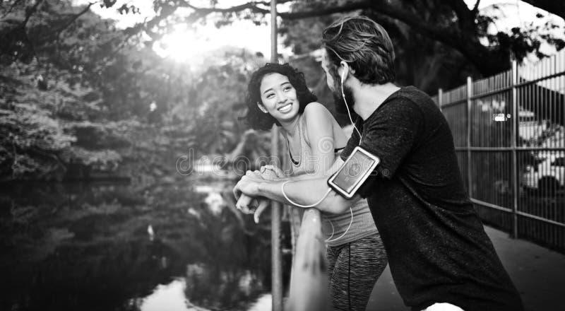 Concept d'Attractive Summer Fit d'athlète de mode de vie de couples images stock