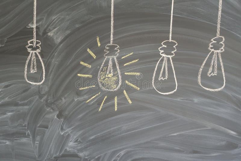 Concept d'idée avec l'ampoule photos libres de droits