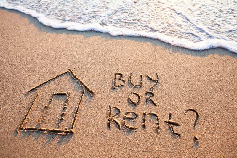 Concept d'immobiliers, achat contre le loyer images libres de droits