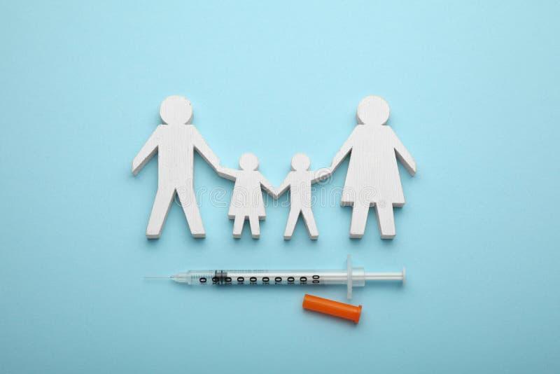 Concept d'immunisation de famille Vaccin de grippe pour des enfants images libres de droits
