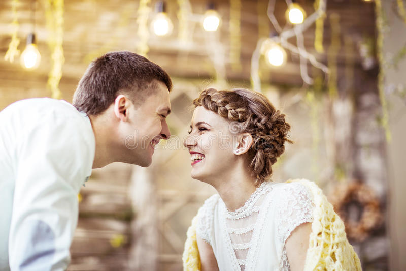 Concept de bonheur - couple-mari et épouse affectueux image libre de droits