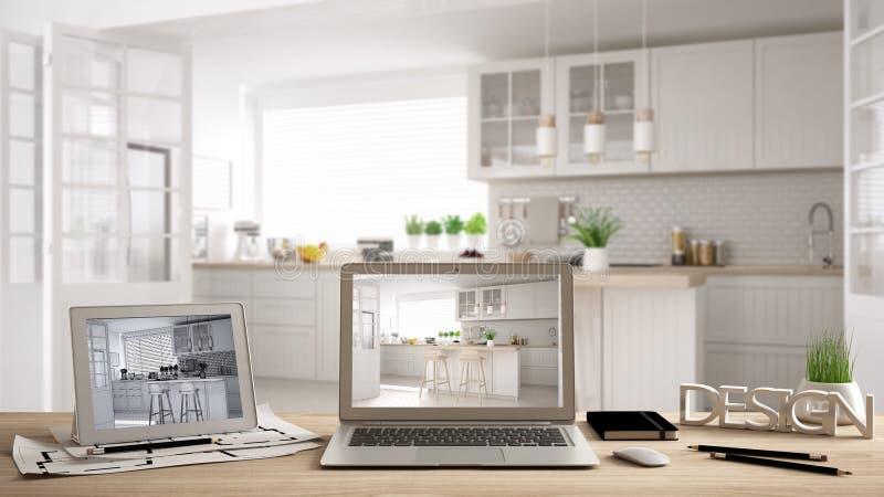 Concept de bureau, ordinateur portable et comprimé de concepteur d'architecte sur le bureau en bois avec l'écran montrant le proj illustration stock