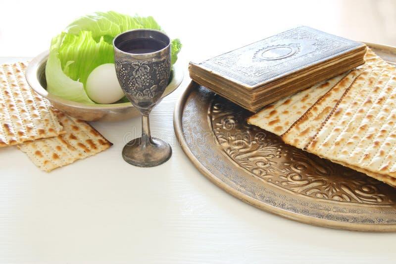 Concept de célébration de Pesah et x28 ; holiday& juif x29 de pâque ; photo libre de droits