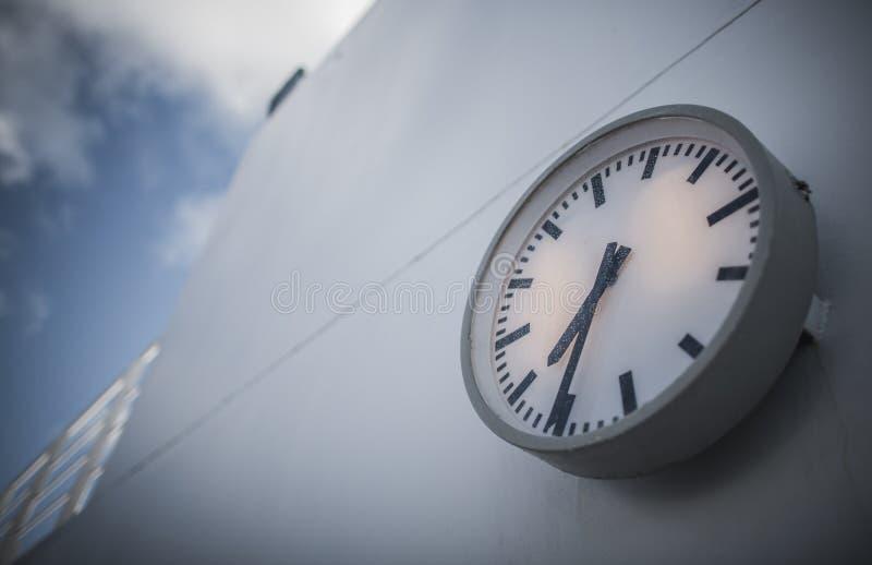 Concept de changement de temps de bateau de croisière image stock