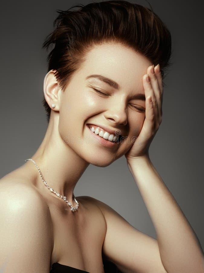 Concept de charme, de beauté, de bijoux et de luxe Plan rapproché de beautif image libre de droits
