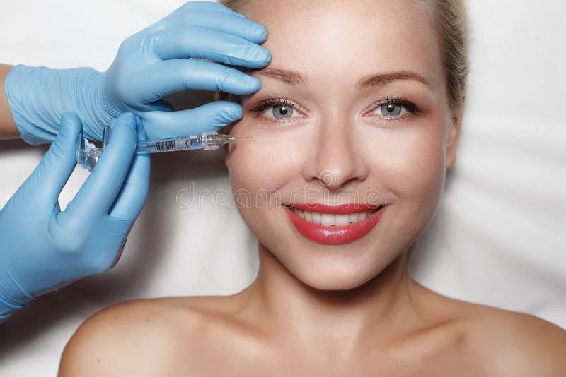 Concept de chirurgie plastique images stock