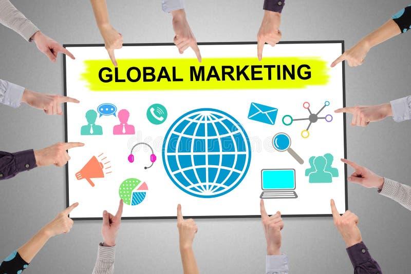 Concept de commercialisation global sur un tableau blanc photos stock