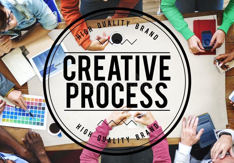 Concept de construction de processus créatif de travail d'équipe de séance de réflexion images libres de droits