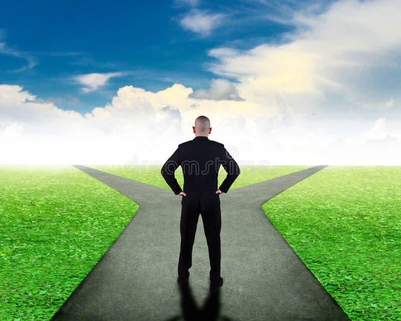 Concept de décision économique Confondez pour choisir la direction photo libre de droits
