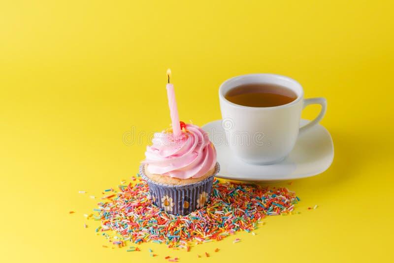 Concept de décoration de cadeau d'anniversaire photographie stock libre de droits