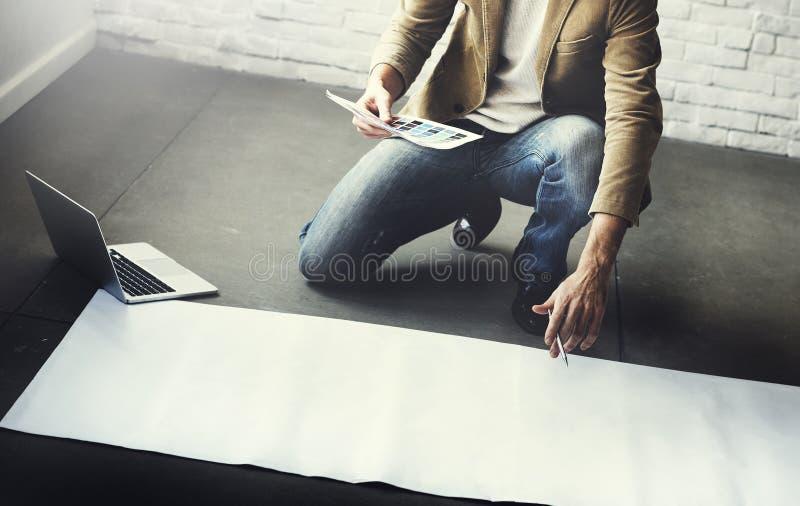 Concept de disposition de Thinking Ideas Creative de concepteur image libre de droits