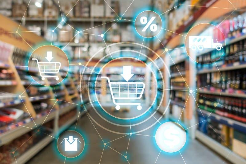Concept de distribution de canal de vente de commerce électronique de caddie sur le fond de supermarché images libres de droits