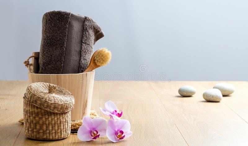 Concept de douche de s?r?nit? pour le massage, paix et bain de se livrer image stock