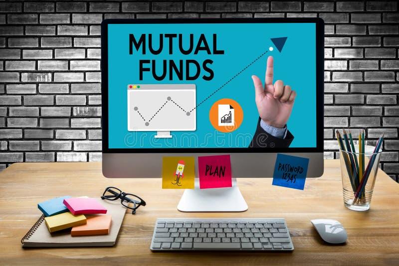 Concept de finances et d'argent de FONDS COMMUNS DE PLACEMENT MUTUALISTES, foyer sur le fonds commun de placement mutualiste i illustration libre de droits