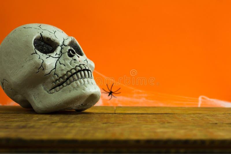 Concept de fond de Halloween Vue de face de crâne humain, décor s images libres de droits