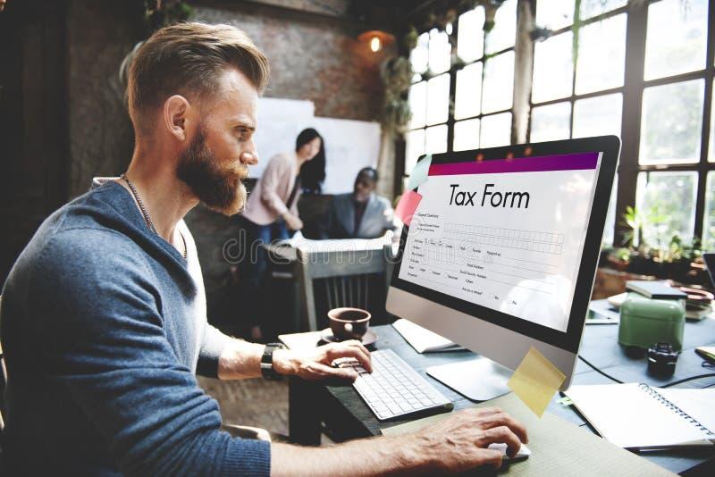 Concept de formulaire de réclamation de crédits d'impôt images stock