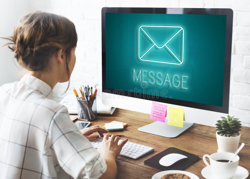 Concept de graphique de causerie d'enveloppe de lettre de message images libres de droits