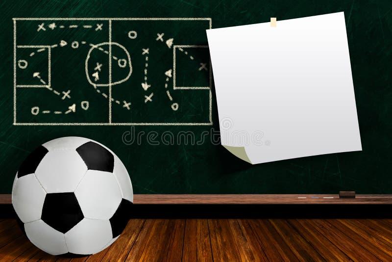 Concept de jeu avec la stratégie de jeu de ballon de football et de panneau de craie illustration de vecteur