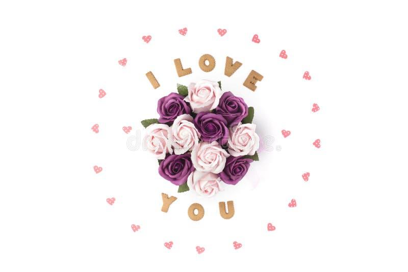 Concept de jour de Valentines Déclaration de l'amour, cadre fait de coeurs de papier En fleurs centrales dans une boîte Configura image stock