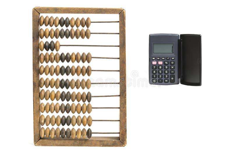 Concept de journalisation Figue et calculatrice de comptes de vintage d'isolement sur le blanc photos stock
