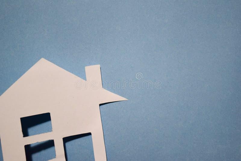 Concept de maison en papier sur le mur Composition horizontale Vue supérieure image stock