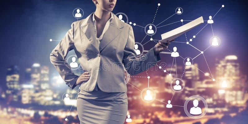 Concept de mise en réseau moderne d'affaires qui se relient et coopèrent photographie stock