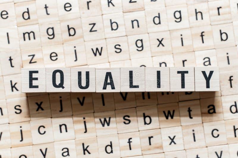 Concept de mot d'égalité sur des cubes image libre de droits