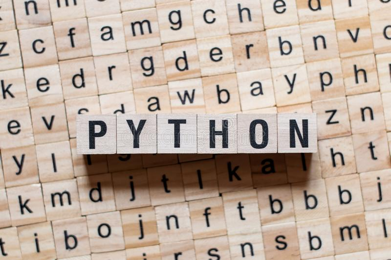 Concept de mot de langage de programmation de python photos libres de droits
