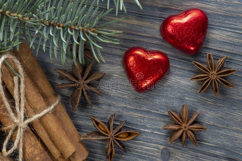 Concept de Noël avec le pin d'étoiles d'anis de cannelle image libre de droits